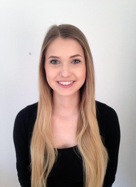 Elisabeth from Köln, Hair: blond (mittel), Eye: grün-grau, German: Muttersprache, English: Fliessend, French: leichte Konversation, Spain: nein