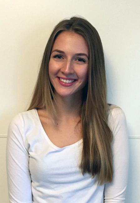 Vanessa from Langen, Hair: blond (mittel), Eye: braun-gr�n, German: Muttersprache, English: Fliessend, French: nein, Spain: nein