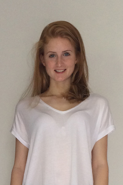 Nina from Berlin, Hair: rot (blond), Eye: blau, German: Muttersprache, English: Fliessend, French: leichte Konversation, Spain: nein
