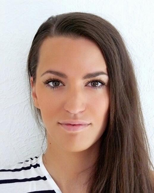 Louisa from Vachendorf, Hair: braun (dunkel), Eye: braun, German: Muttersprache, English: Fortgeschritten, French: leichte Konversation, Spain: keine Angabe