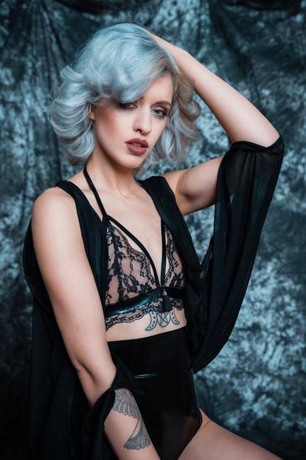 Tiana from Essen, Hair: blond (hell), Eye: blau-gr�n, German: Muttersprache, English: Fliessend, French: nein, Spain: leichte Konversation